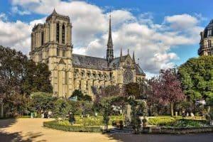 10 כנסיות בפריז שחובה לראות. בתמונה: כנסיית נוטרדאם שצולמה על ידי יואל תמנליס מגינת רנה ויויאני.