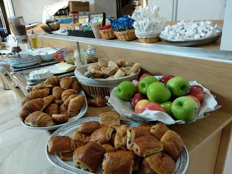 ארוחת הבוקר במלון AIDA OPERA.