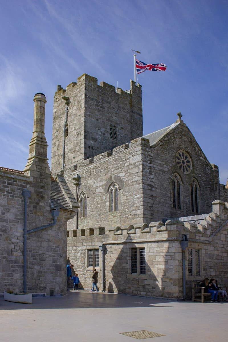 הטירה שבסט מייקלס מאונט