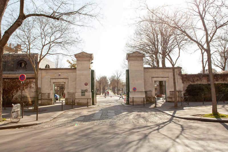 הכניסה לבית הקברות של מונפרנאס. צילם: לירן הוטמכר.