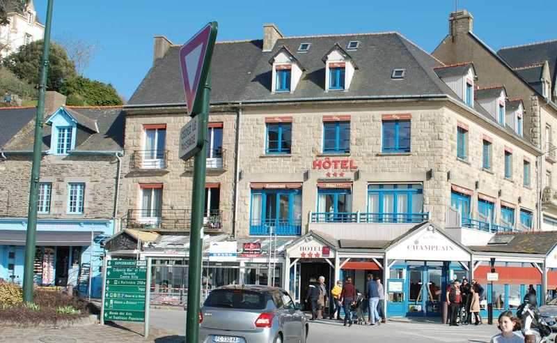 מלון ומסעדת La Mere Champlain
