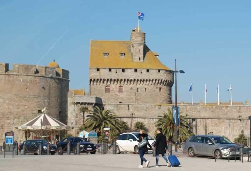 חומות סן מאלו והמבצר שבנתה הדוכסית אן.