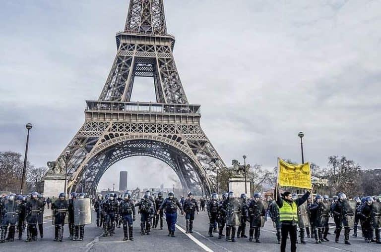 """האפודים הצהובים: סכנת האלימות השבועית בצרפת מאת ד""""ר אורנה ליברמן"""