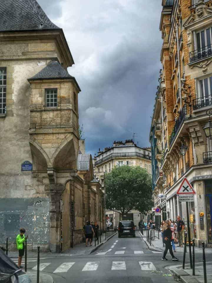 רחוב Francs Bourgeois, הרחוב הראשי של המארה. צילם: צבי חזנוב