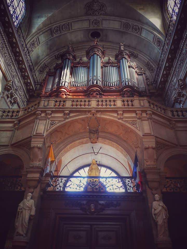 העוגב של כנסיית סן לואי-סן פול. צילם: צבי חזנוב