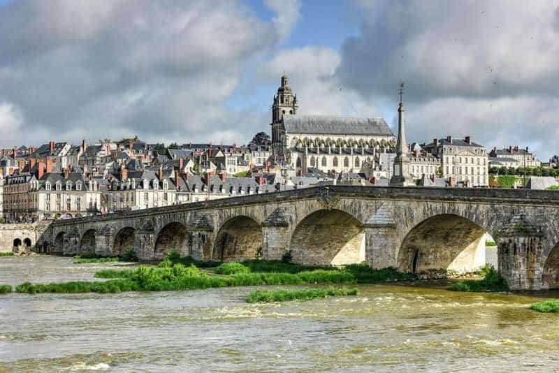 לינה בעיר בלואה (Blois) והסביבה - מלונות מומלצים ודירות נופש