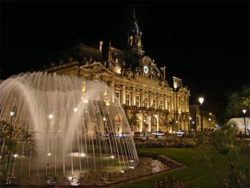 לינה בעיר טור (Tours) - מלונות מומלצים ודירות נופש. מקור צילום: ויקיפדיה.