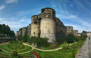 לינה בעיר אנז'ה (Angers) – מלונות מומלצים ודירות נופש. מקור צילום: ויקיפדיה.