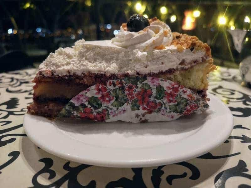 עוגת הדובדבנים של פונטנלה.