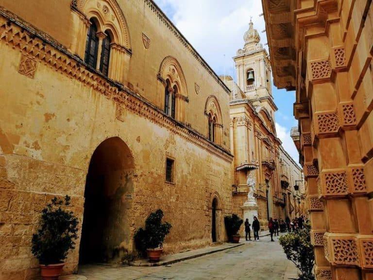 מסלול טיול בעיר מדינה (מלטה): אל ימי הביניים ובחזרה