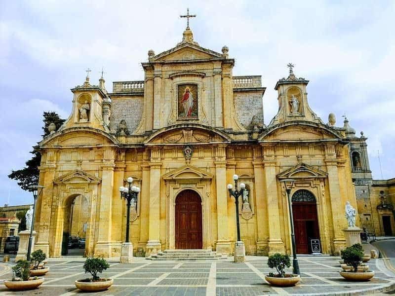 הכנסייה בנבנתה על המקום בו התגורר פאולוס הקדוש ברבאט.
