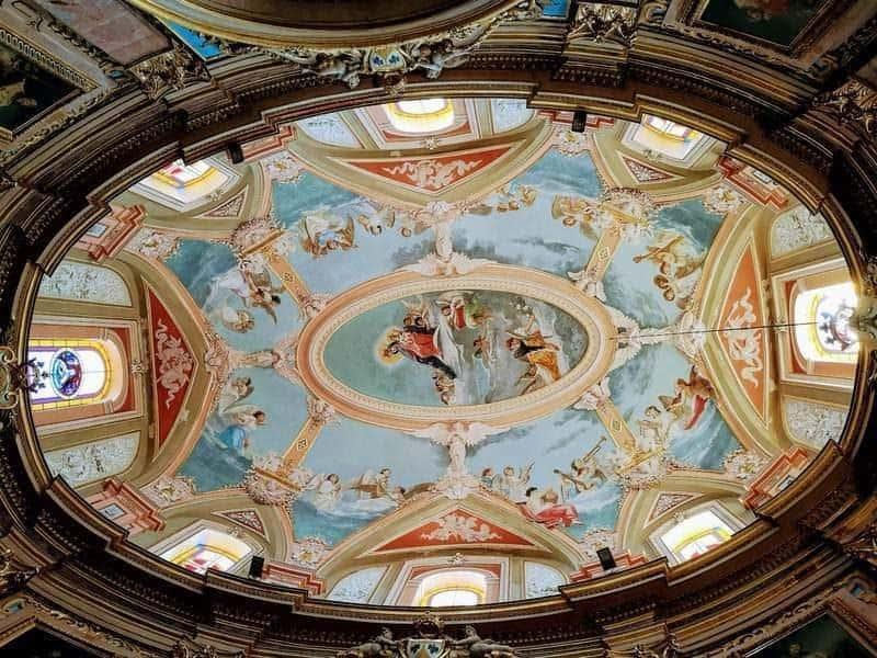 התקרה של הכנסייה הכרמליטית.