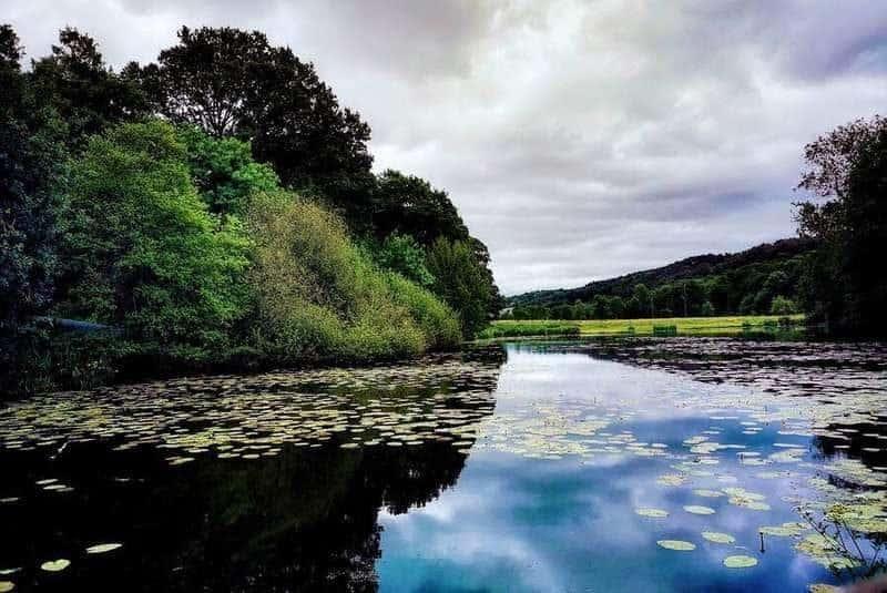 אחד האגמים בסביבה. צילם: צבי חזנוב.
