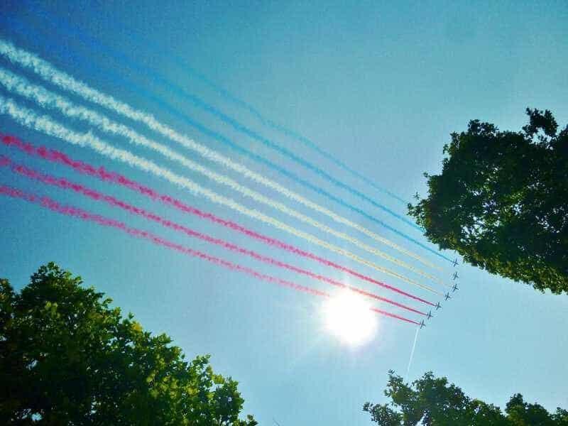 """""""המצעד האווירי"""" של יום הבסטיליה. צילמה: גל שטיינר"""