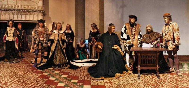 שיחזור חתונתם של אן מברטאן ושארל השמיני בטירת לאנז'ה. מקור צילום: ויקיפדיה.