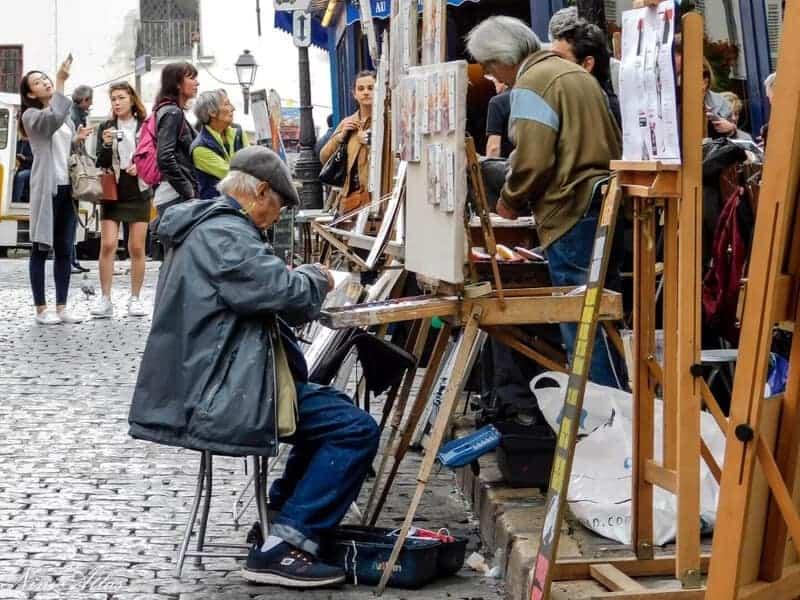 צייר בכיכר טרטר. צילמה ניני אטלס