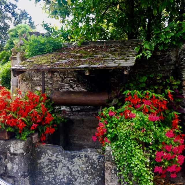 הבאר במרכז העיירה רושפור