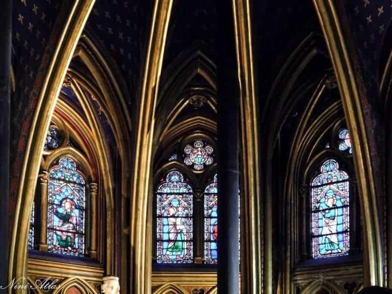חלונות הויטראז' של כנסיית הסן שאפל. צילמה: ניני אטלס.