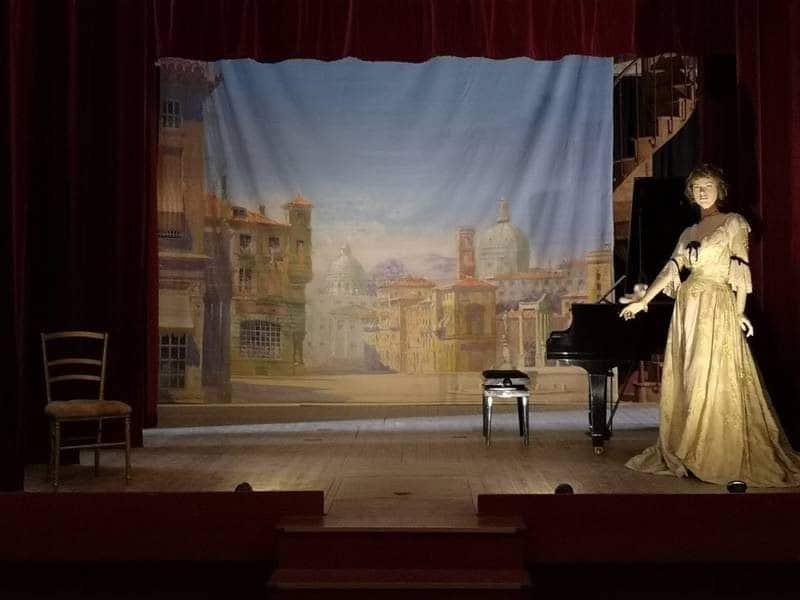 במת התיאטרון בטירת בריסאק. צילם: צבי חזנוב