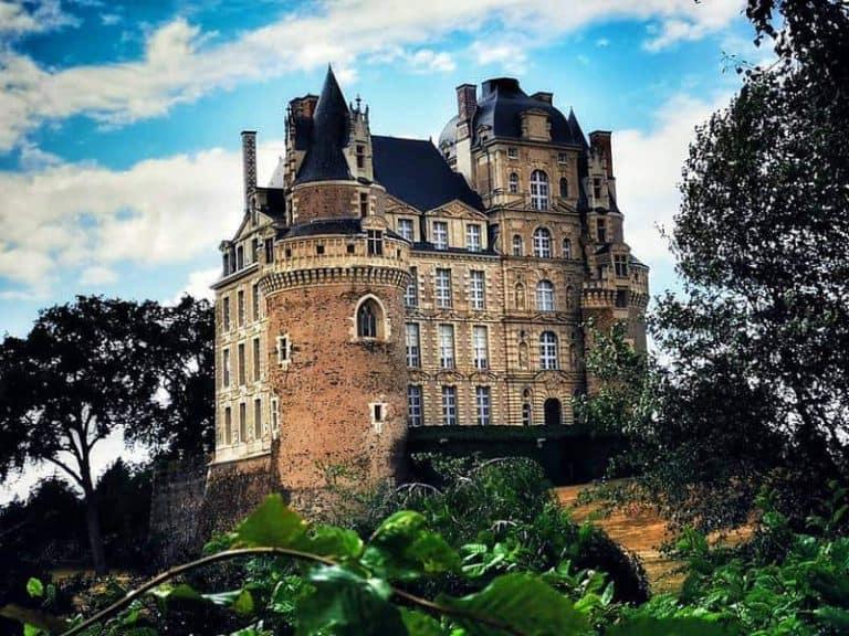 שאטו דה בריסאק (Brissac) – כשפוגשים את הדוכס מטייל בגן הארמון