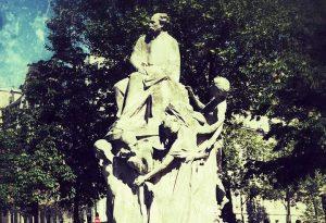 סודותיה של שכונת הקורטיזנות - מסלול טיול ברובע ה-17 של פריז