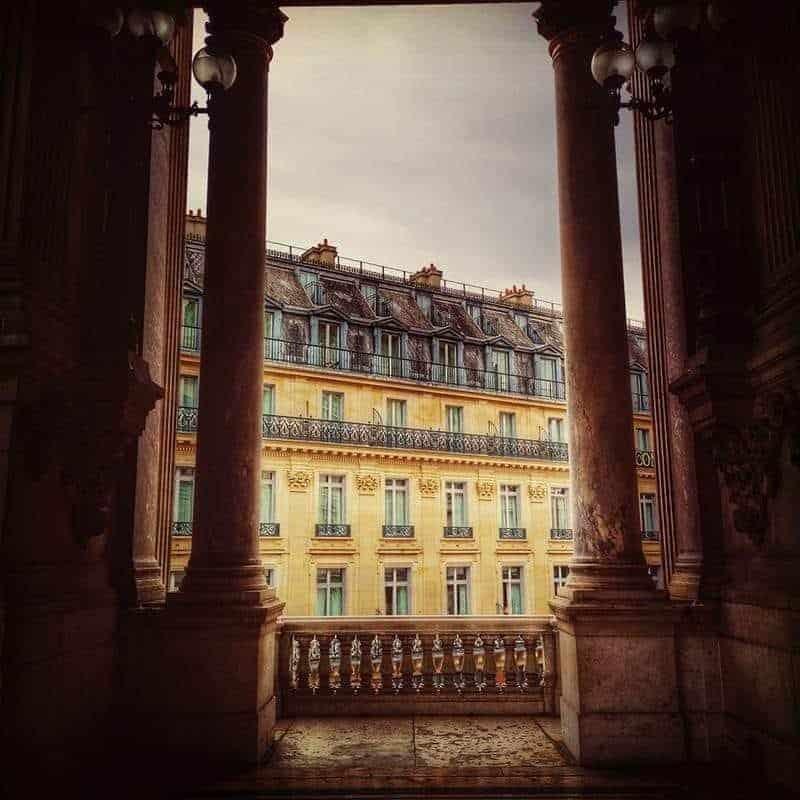 """נדל""""ן בפריז. צילם: צבי חזנוב"""