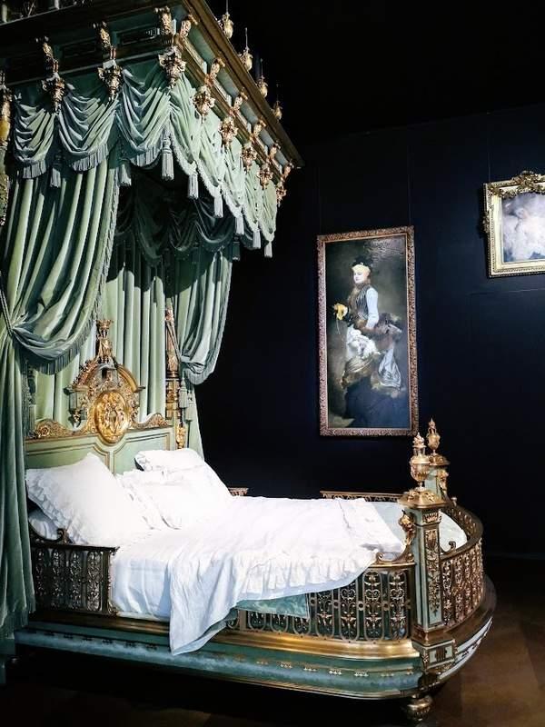 המיטה של ואלטס דה לה בין. צילם: צבי חזנוב