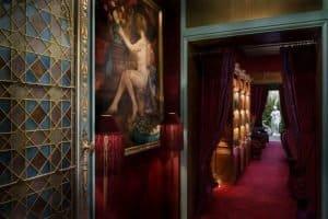 Maison Souquet - כשבורדל פריזאי הופך למלון בוטיק מפנק/
