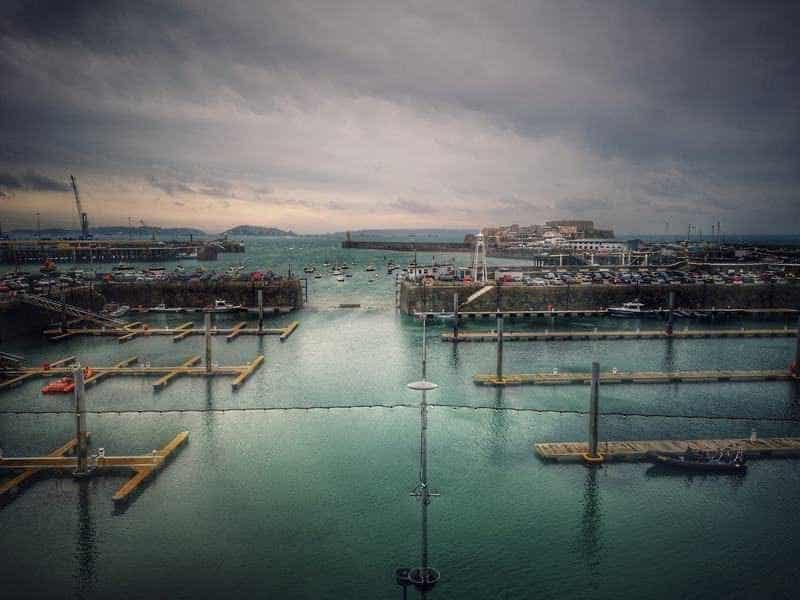 מעגן הסירות של סנט פיטר פורט בגרנזי. צילם: צבי חזנוב