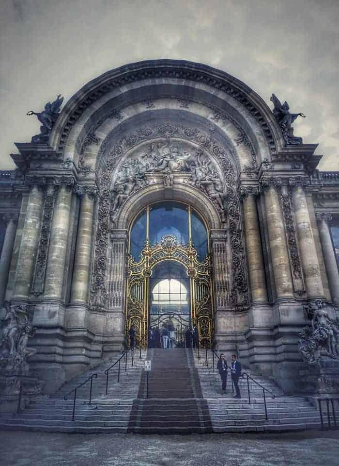 הכניסה ל Petit Palais. צילם: צבי חזנוב