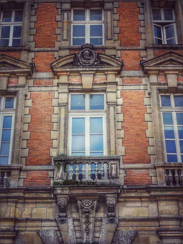כמה עולה מלון בפריז?