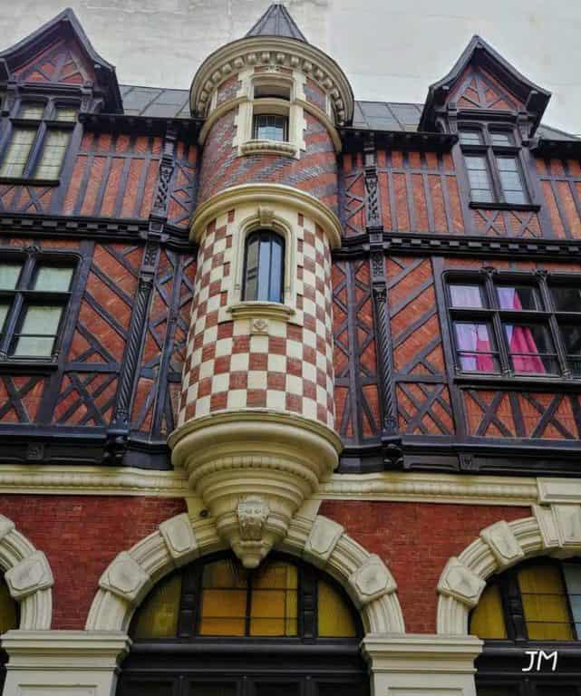 אוטל אנרי מונייה – ארמון השוקולד הסודי של פריז מאת יהודית מרמלשטיין