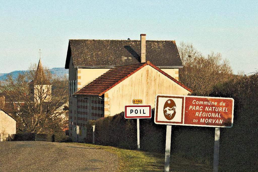 הכפר פואל (Poil) בשמורת הטבע של מורבאן