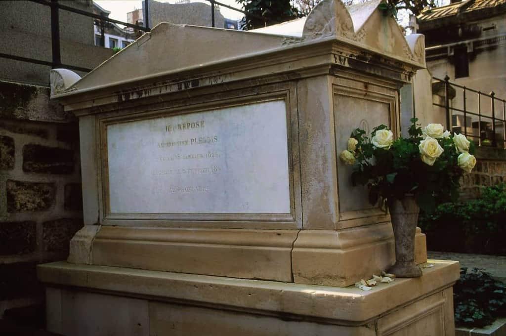 קברה של מארי דו פלסי. צילמה רותי שמעוני.