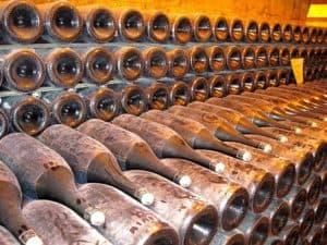 בקבוקי יין צרפתי