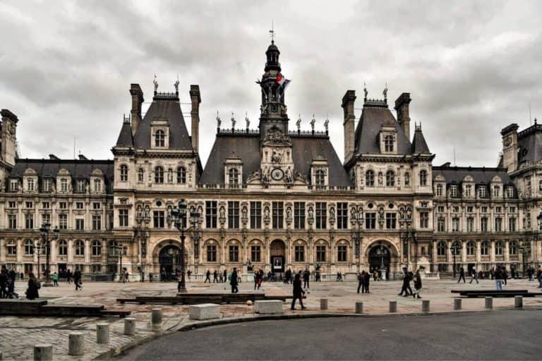 הוטל דה ויל (Hôtel de Ville) – כי גם עיריית פריז צריכה ארמון