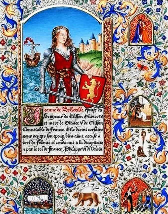 ז'אן דה בלוויל על רקע הספינה שלה, אוחזת במגן עם הסמל של בעלה.