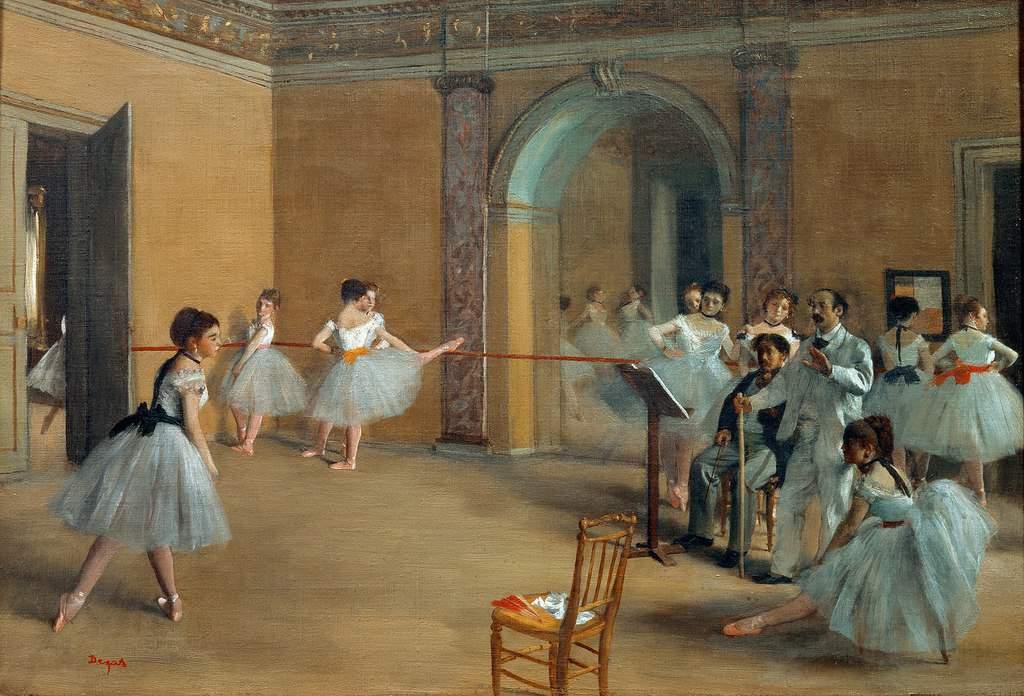 רקדניות מתאמנות בפואיה של אולם האופרה לה פלטייה. ציור מאת אדגר דגה. מקור ציור: ויקיפדיה.