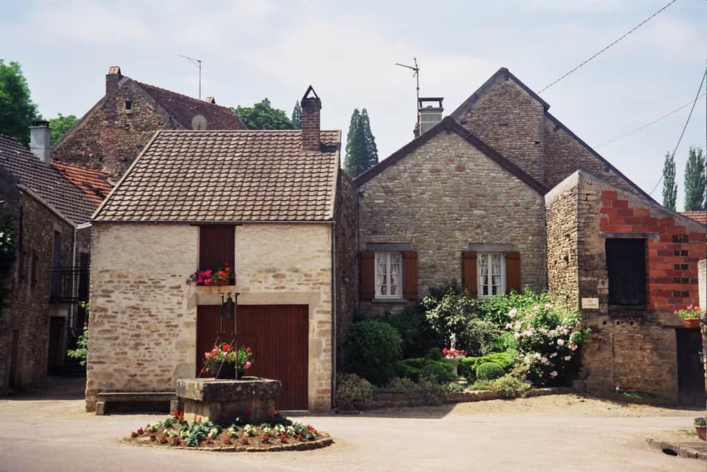 הכפר Saint Pere