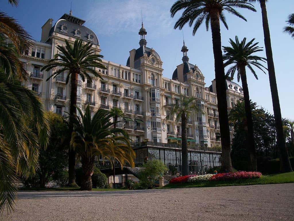 מלון רז'ינה דאז (כיום בניין דירות), צילם: Velvetia