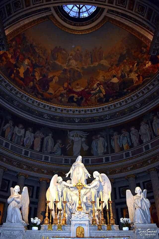 המזבח של כנסיית המדלן. צילם: דניאל אילוז