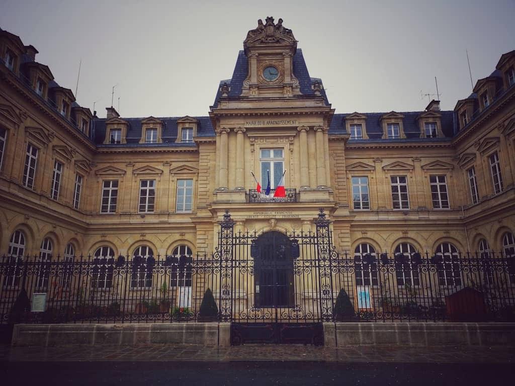 עיריית הרובע ה-3 של פריז. צילם: צבי חזנוב