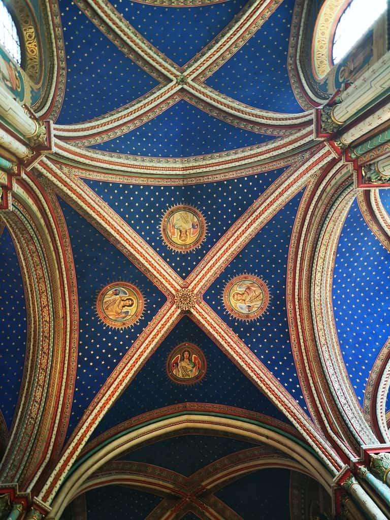 התקרה המשופצת של כנסיית סן ז'רמן. צילם: צבי חזנוב