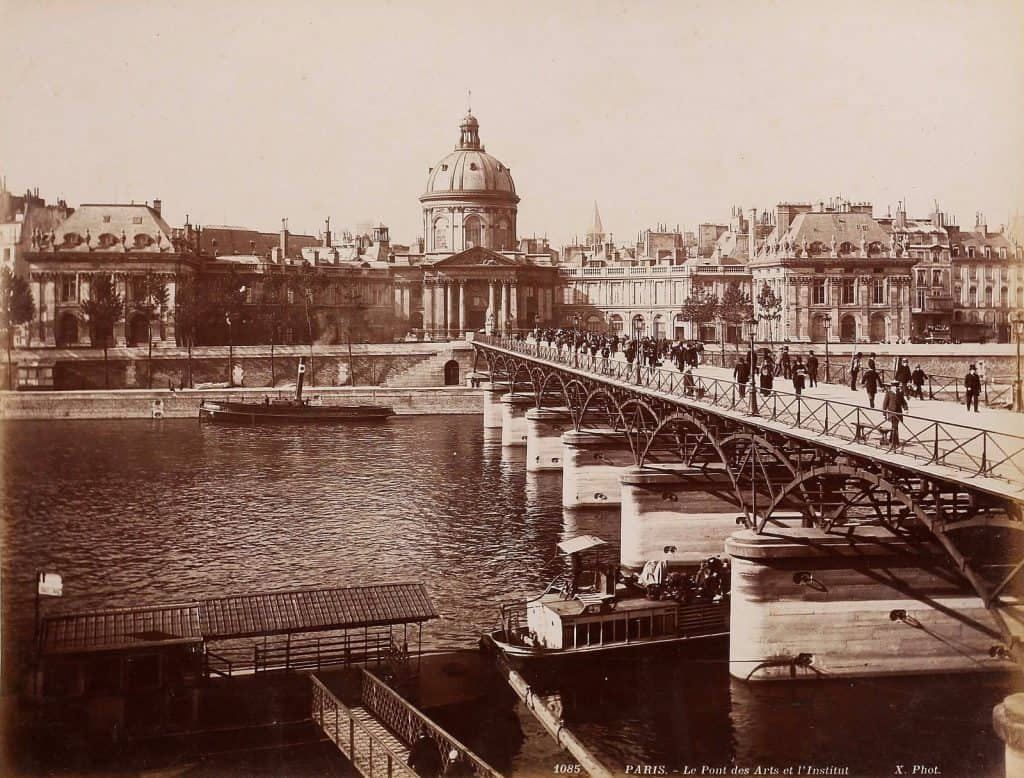 צילום משנת 1887 של הפון דז אר כאשר הצלם עומד בגדה הימנית וצופה אל הקולז' דה פראנס.