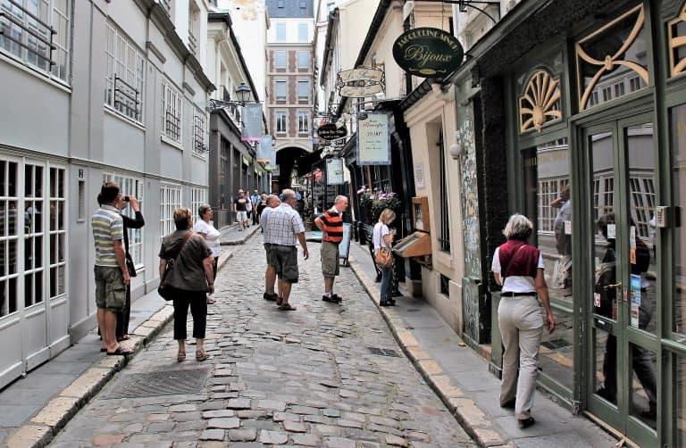 Cour du Commerce Saint André – הפסאז' המקסים של הגדה השמאלית