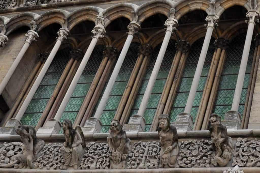 הגרוטסקות של נוטרדאם דה דיז'ון. צילום: קלר באלאס