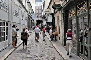 Cour du Commerce Saint André - הפסאז' המקסים של הגדה השמאלית