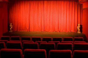 לגלות את פריז האמיתית דרך בתי הקולנוע של רחוב שאמפוליון מאת לירן הוטמכר