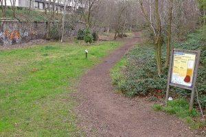 הטיילת לאורך בולבאר מונמוראנסי. מקור צילום ויקיפדיה.